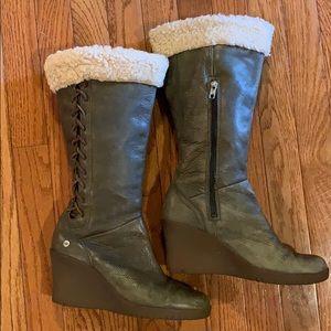 UGG Felicity Boots Olive US8